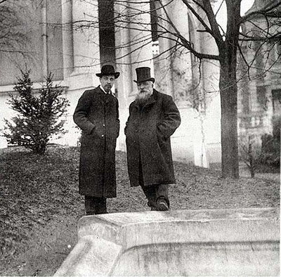"Imagen publicada en el blog ""A year with Rilke"" http://1.bp.blogspot.com/-QQmvqvWMFn4/TrgHJLQnWeI/AAAAAAAARiM/V-Z1hG3O7tk/s400/Rilke+%2526+Rodin.jpg"